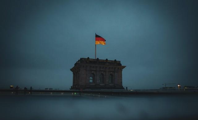 Германската икономика приключва силно 2020 г., но рисковете остават