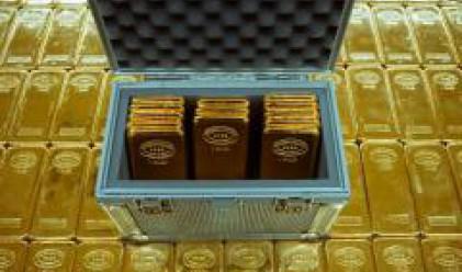 Златото се приближава максимално до ниво от 1000 долара за тройунция