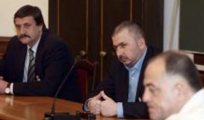 Опозицията напуска комисията
