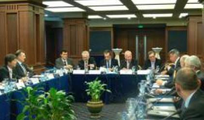 Орешарски представи пред инвеститори макроикономическата ни политика