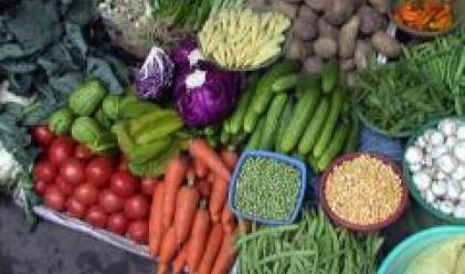 Доматите, краставиците и картофите поевтиняват на пазара на едро