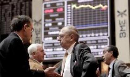 Анализатори: Излизат спекулантите, остават инвеститорите
