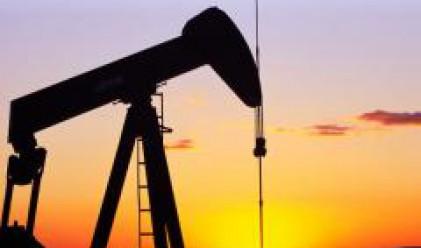 Петролът отново под 100 долара за барел