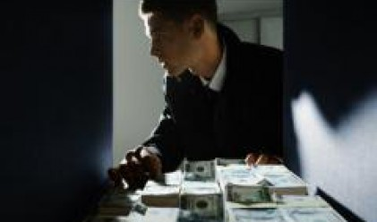 Валутните резерви на Китай се повишават до рекорд, юанът с нов максимум