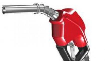 Петролът се търгува над 106 долара за барел