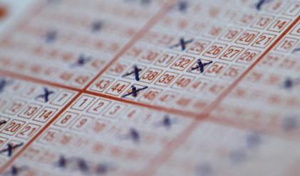 Британски шофьор - милионер от лотария, остава зад волана