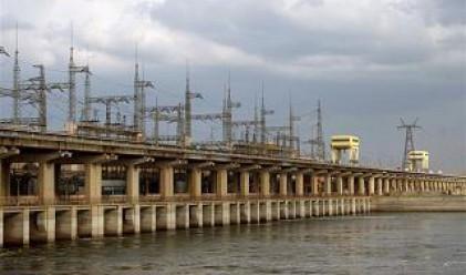 Цената на тока изкуствено била задържана ниска