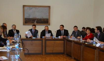 Тристранният съвет се споразумя за част от мерките
