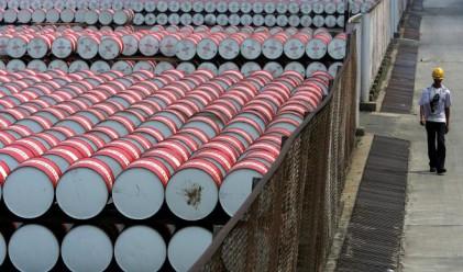Цената на петрола с 29-месечен максимум