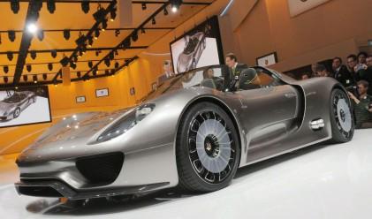 Бихте ли платили 1.16 млн. лв. за новото Porsche хибрид?