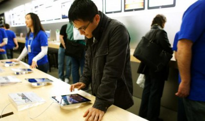 Таблетите iPad 2 свършиха до събота