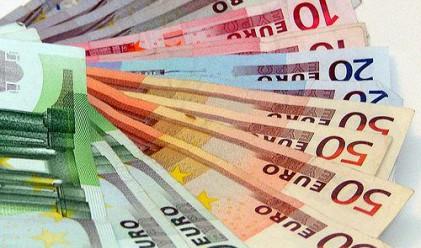 Позитивен старт на седмицата за еврото