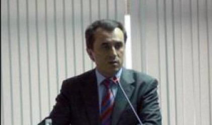 П. Орешарски: С огромно удоволствие се харчат спестени фискални резерви