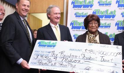 81-годишна спечели 336.4 милиона долара от лотарията