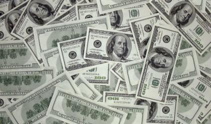 Опасения за ръста на Китай повдигат долара