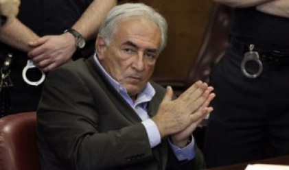 Във Франция разследват оргиите на Строс-Кан