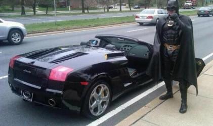 Арестуваха Батман, шофиращ черно Ламборгини
