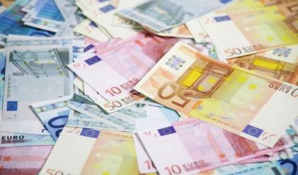 Защо еврото не иска да поевтинява?