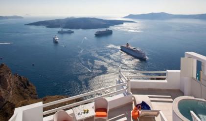 Пет хотела на Санторини, идеални за Великденските празници