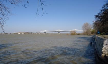 Нивото на Дунав се повишава, започва денонощно наблюдение