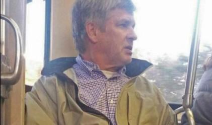 Мъж блокирал телефоните на приказливите пътници в метрото