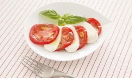 Внасят домати по 60 ст., на пазара са 2.60 лв.
