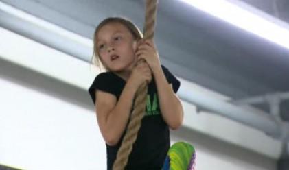 Тя е на девет години и е най-силното дете в света