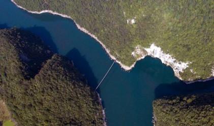 Местните твърдят, че този китайски мост е жив