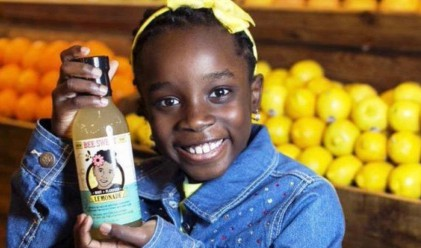 Това 11-годишно момиче продава лимонада и е по-успяло от вас