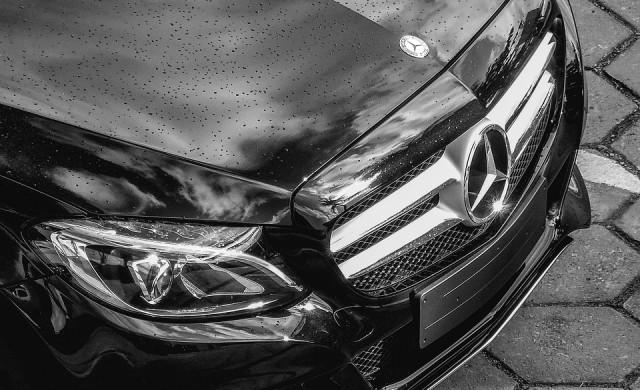Daimler изтегля над 1 млн. автомобила Mercedes-Benz