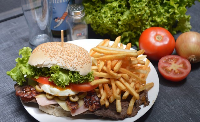 Австралия спира fast food виза за нискоквалифицирани работници