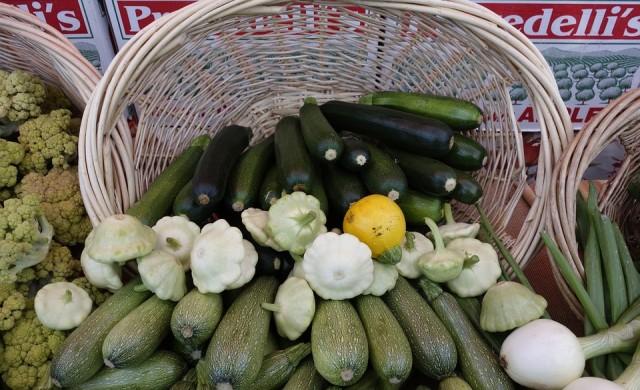 НАП проверява зеленчукова борса след сигнал