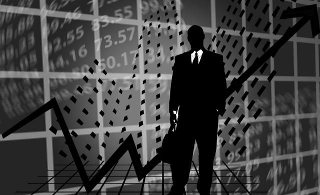 Засилена търговия с акциите на Химимпорт и Еврохолд