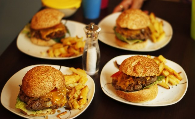 Набират българи за работа във fast food вериги в Германия