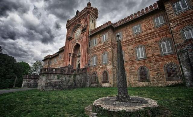 Самецано – замъкът с 365 стаи