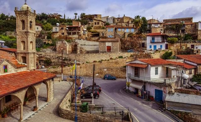 Кипър спечели 5 млрд. евро от продажбата на гражданство