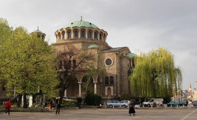В София започна метене на улици и почистване на наноси