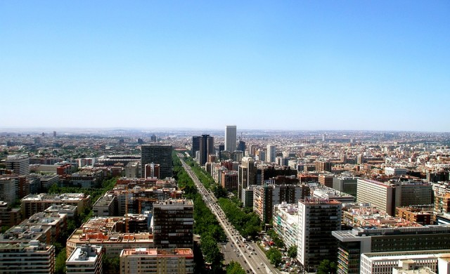 Масови безредици в Мадрид след смъртта на уличен търговец