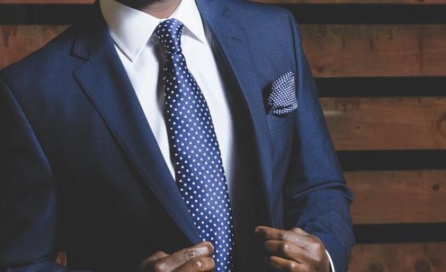 Грешките, които мъжете допускат, когато си купуват костюм