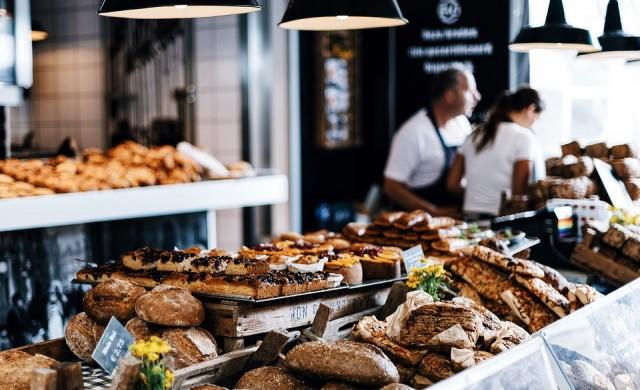Глобиха френски пекар с 3 000 евро, работел твърде много