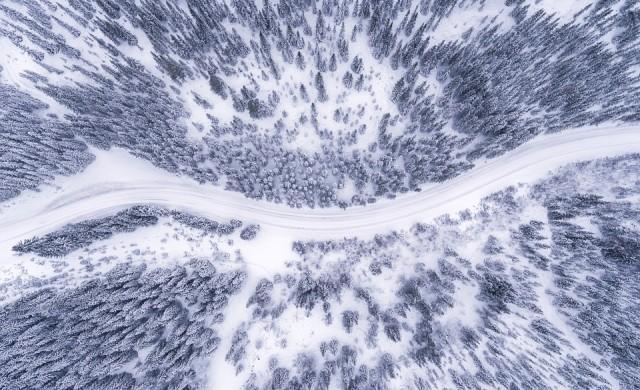 Ограничено е движението по Тракия заради силен снеговалеж