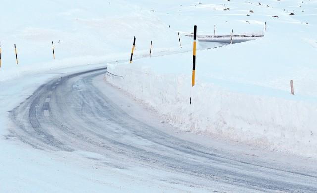 Над 130 снегопочистващи машини чистят от сняг в София