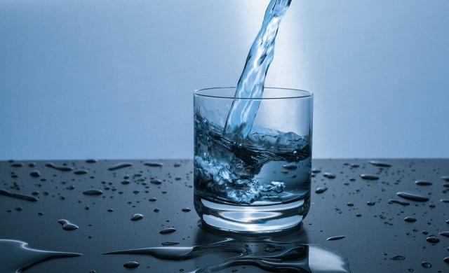 Какво се случва, когато спрете да пиете вода?