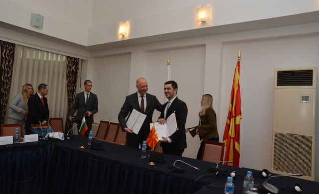 До 2025 г. завършват жп връзката със Северна Македония