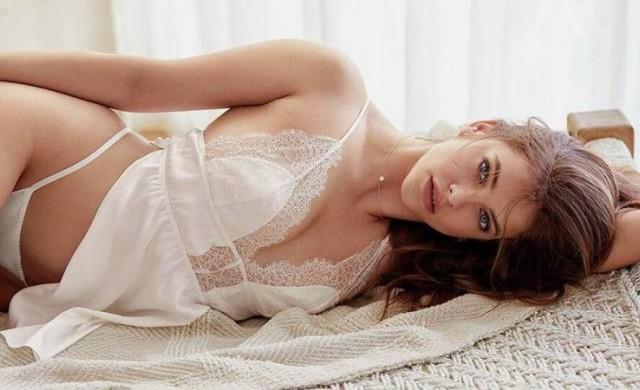 Горещо, та пари - най-новият ангел на Victoria's Secret