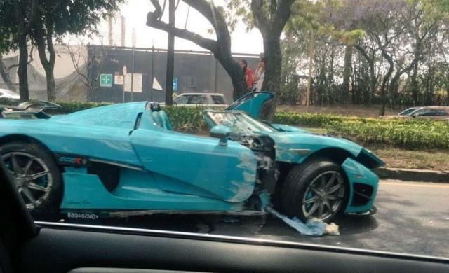 Единствена по рода си кола за 2.5 млн. беше разбита в ПТП