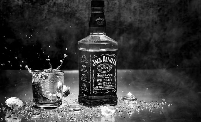 Търговската война удари американския износ на уиски