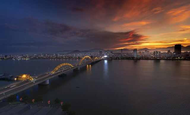 Добре дошли в Дананг - градът на най-удивителните мостове в света