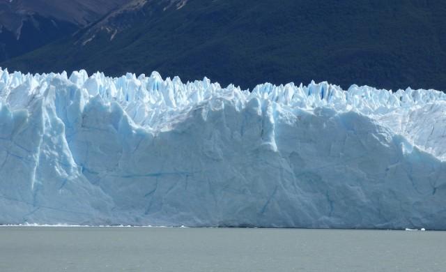 """Круиз с вярващи в плоскостта на Земята ще търси """"Ледената стена"""""""