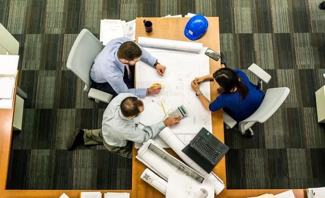 Работа на бюро: пет основни риска за здравето